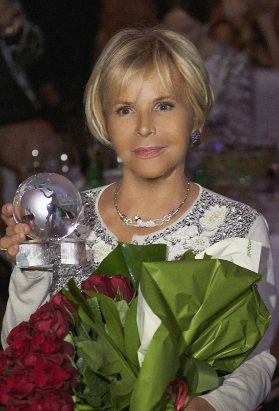 A SPECIAL AWARD FOR ANNA MOLINARI