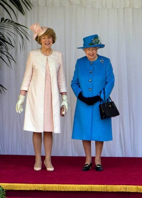 The Irish President's wife, Sabina Higgins meets Queen Elizabeth <br> Sabina Higgins, the wife of the Irish President, wore Paula Rowan gloves for the presidential visit to England to meet Queen Elizabeth