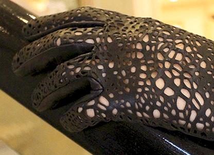 black_glove