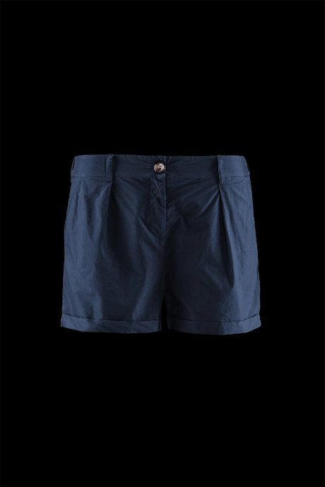 Woman's Shorts Basic