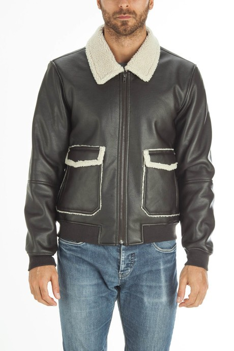 Man's leather jacket with sherpa interior