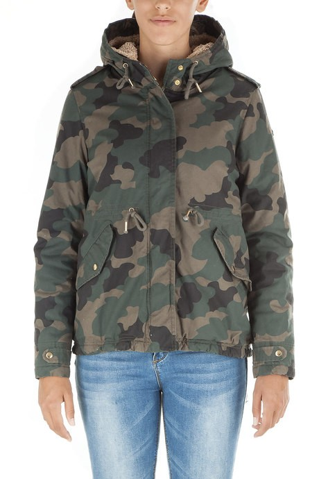 Woman's parka camouflage