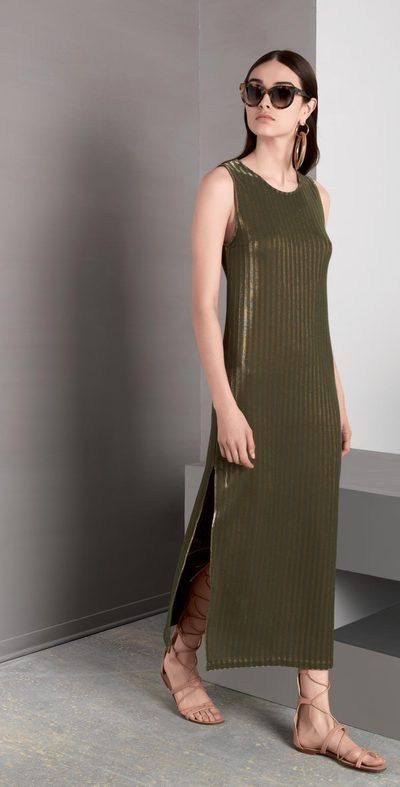 Long dress with slits