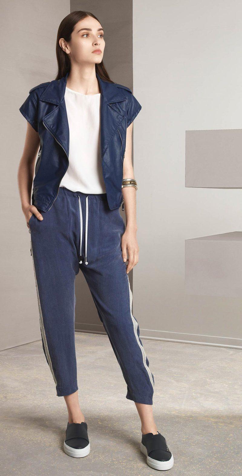 Pantalone blu con bande laterali