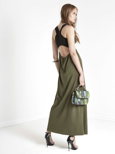 Long dress with crossed back straps