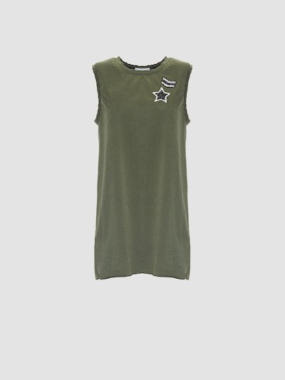 Tank top with chest military-style applications