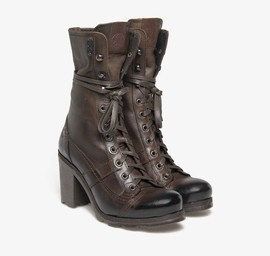 Stewart<br />Tronchetto in belted brown leather