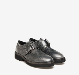 Derby shoes with leather buckle