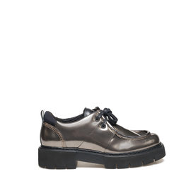 Amtrac<br />Leather low paraboot with mirror shine