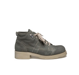 Frank<br />Military canvas boot green coloured with rubber sole