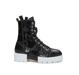Amtrac<br />Black lace-up low boot