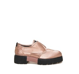 Amtrac<br />Rose gold cotton shoe