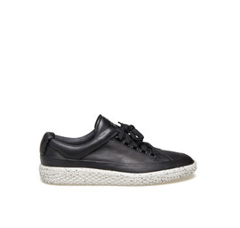 Woobie<br />Black leather ankle sneaker