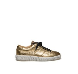 Woobie<br />Laminated gold leather sneaker
