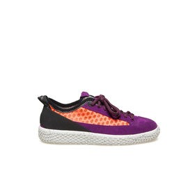 Woobie climb<br />Shoe in purple split calfskin