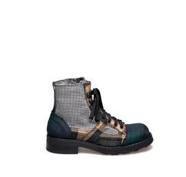 Frank<br />Desert boot contrasting patchwork
