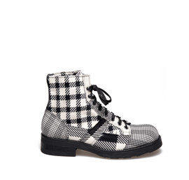 Frank<br />Men's desert boot black and white patchwork