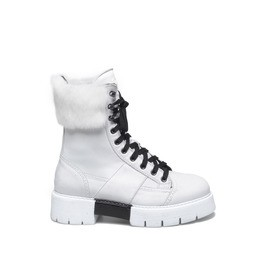 Amtrac<br />White nubuck leather boots with rabbit fur detailing