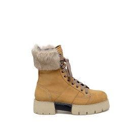 Amtrac<br />Honey-coloured nubuck leather boots with rabbit fur detailing