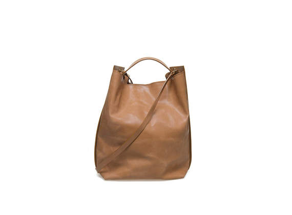 Bucket bag with side bands