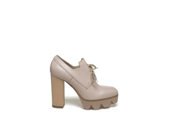 Light dusty pink derby with wooden heel