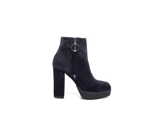 Blue suede ankle boots with side zip