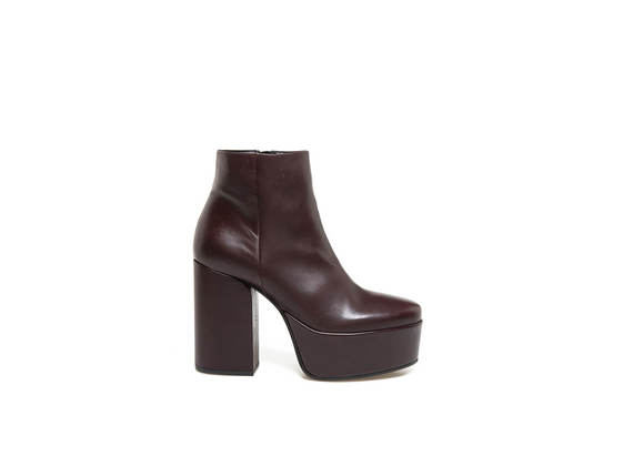 Burgundy leather ankle boots with maxi plateau and heel