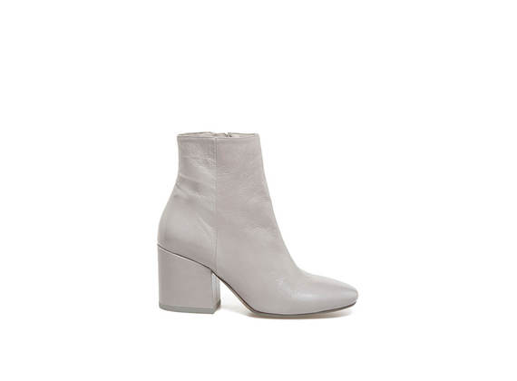 Square-toed ankle boots in ice-coloured naplak