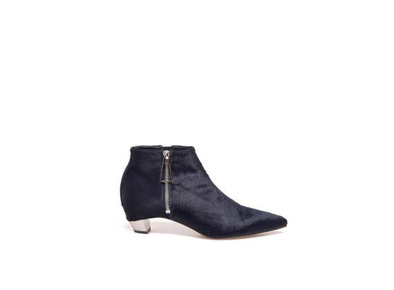 Blue ankle boots with ponyskin-effect, side zip and metallic heel