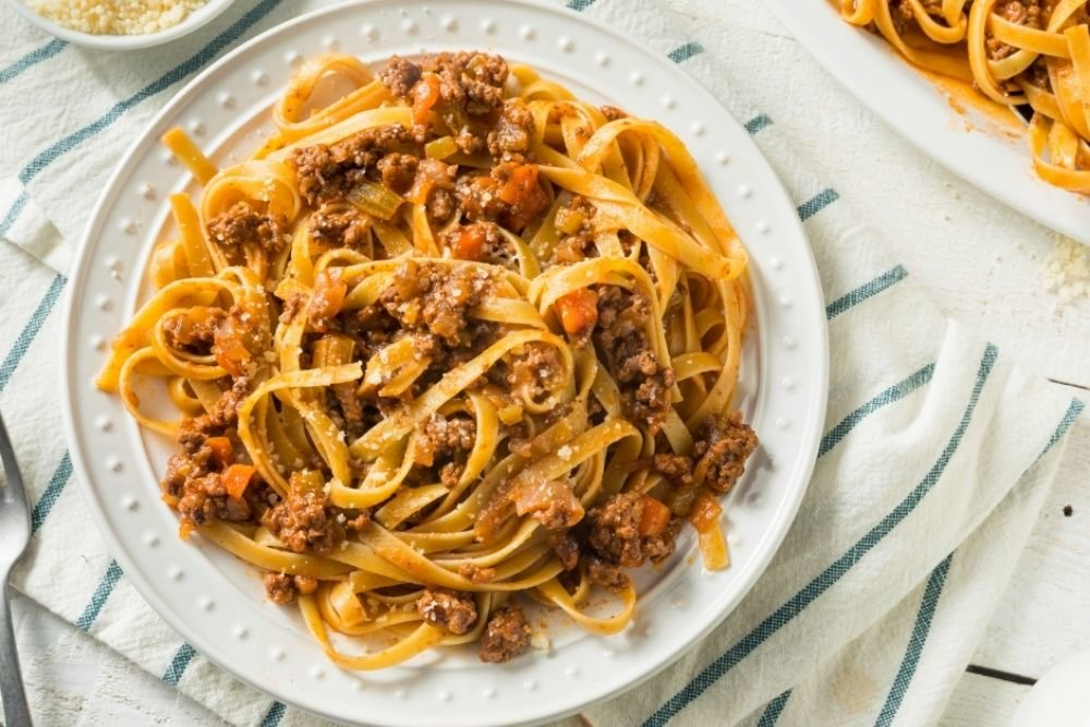 How To Make The Perfect Ragù… and what wines to pair with it.
