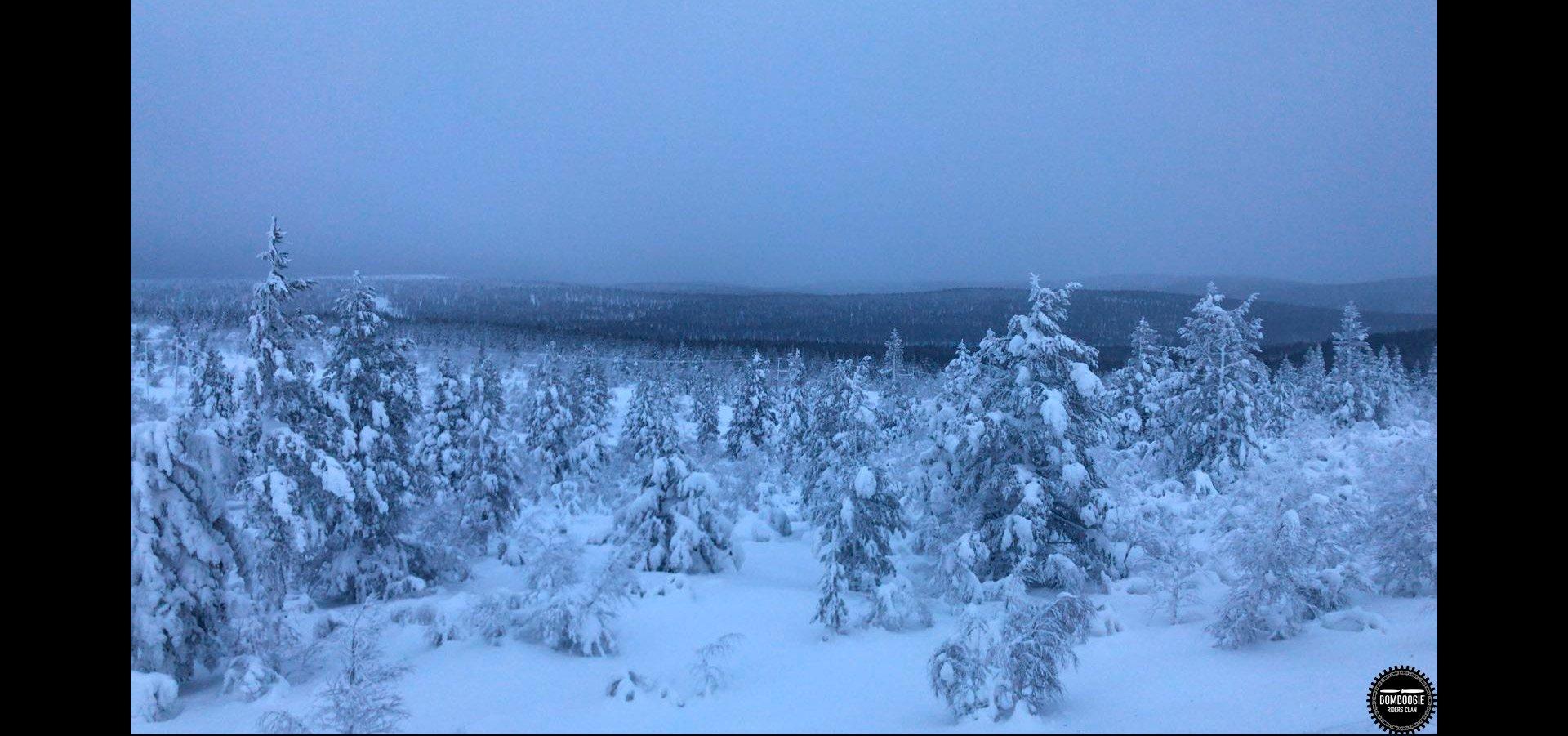 <font face='DIN Condensed'=white>  Lapponia, Finlandia</font>