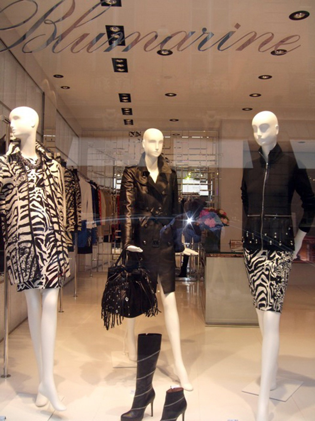 BLUMARINE OPENS THE THIRD MONOBRAND STORE IN FRANCE.