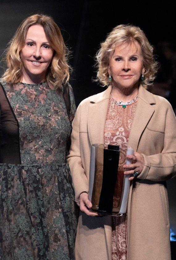 """Anna Molinari received the """"Si Sposaitalia Award"""""""