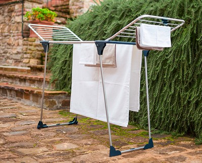 SAVE TIME AND ENERGY ON THE IRONING BOARD!