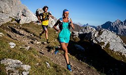 VêTEMENTS TRAIL RUNNING & TENUES
