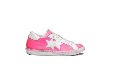FUCHSIA FLUO AND WHITE LOW SNEAKERS
