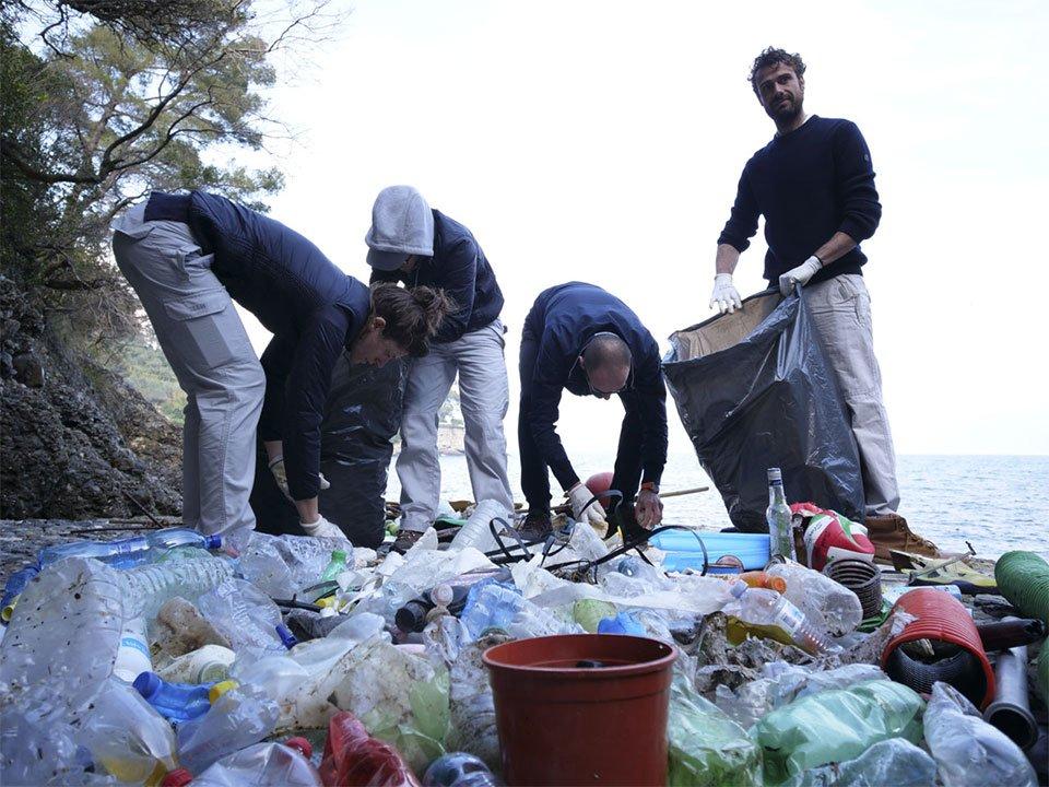 CleanUp. Mehr als ein<br>Projekt, eine Hilfsaktion, die so groß wie das<br>Meer ist.
