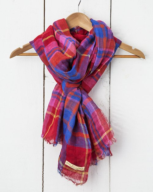 Florence Linen Scarf in Raspberry