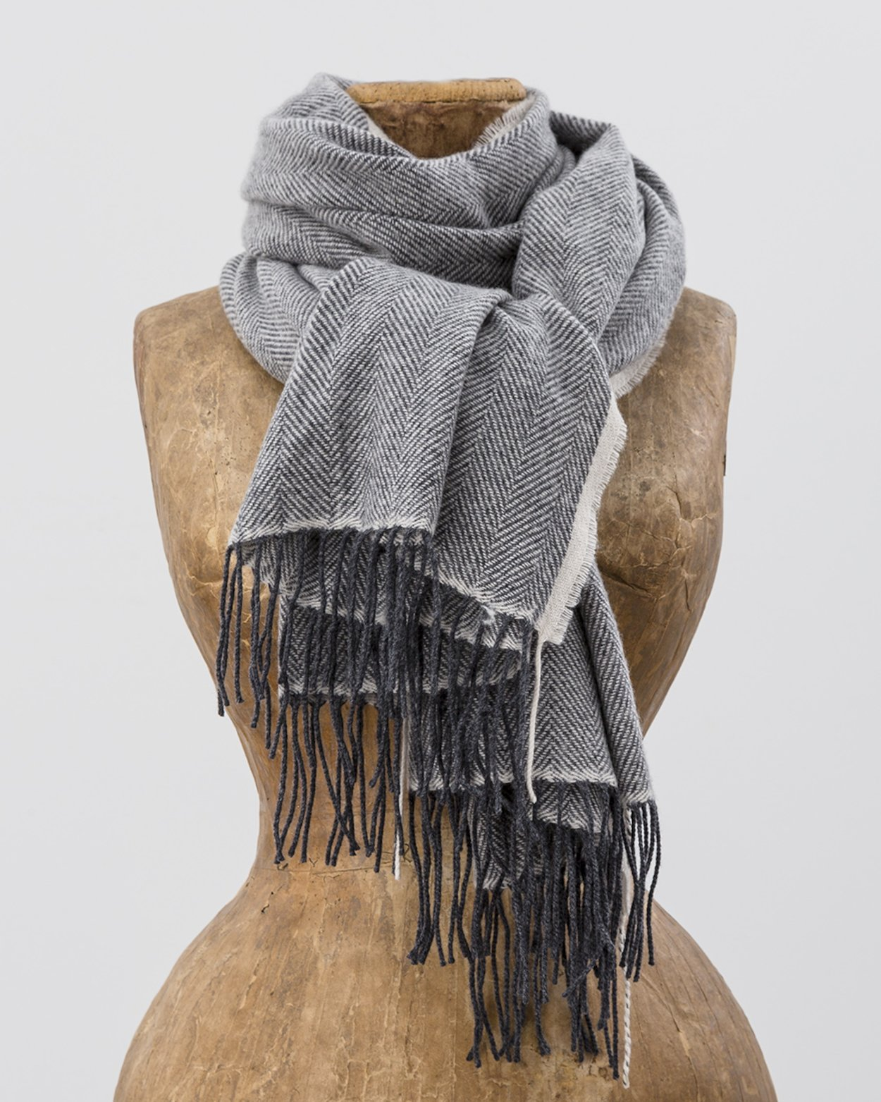 Cashmere Wool Sandymount Scarf in Grey and Cream