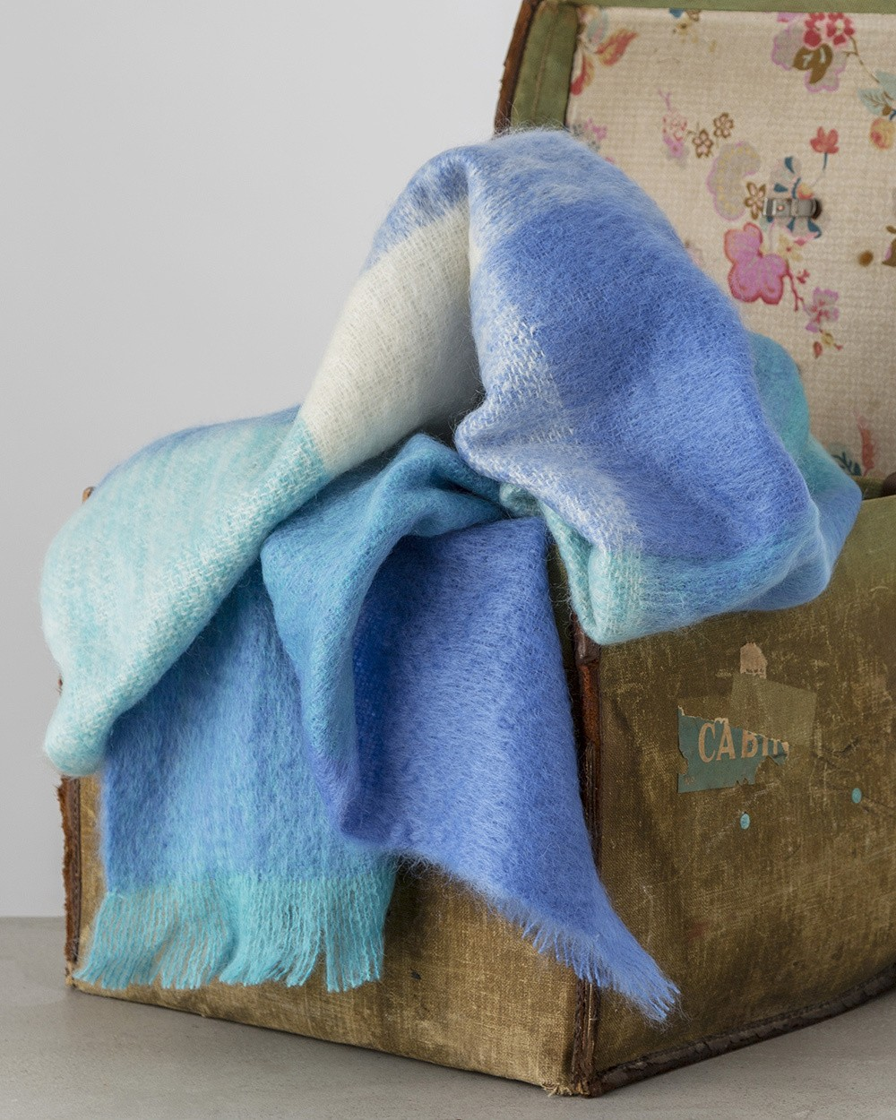 M117 Sky Mohair Throw