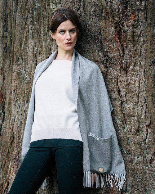 Merino Wool Pocket Wrap in Grey