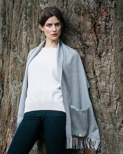 Merino Wool Pocket Wrap in Grey