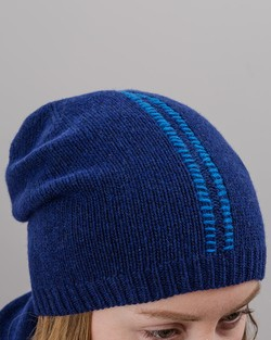 Blanket Stitch Beanie in Navy