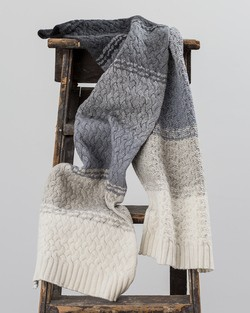 Chunky Cable Knit Scarf in Grey/ Neutral