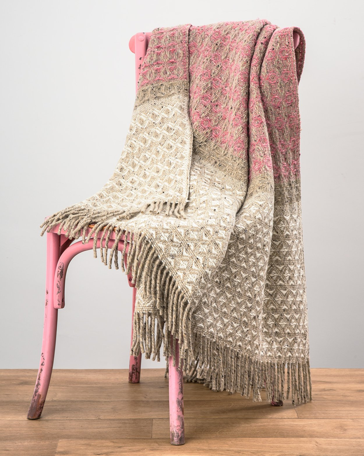Grange Heavy Donegal Throw in Pink