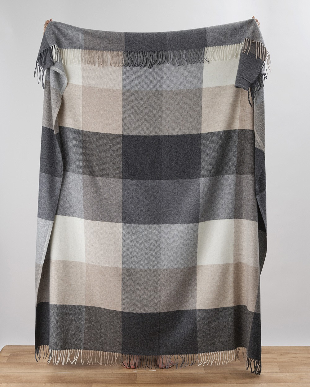 Rome Cashmere Throw In Grey Woven In The Mill Avoca
