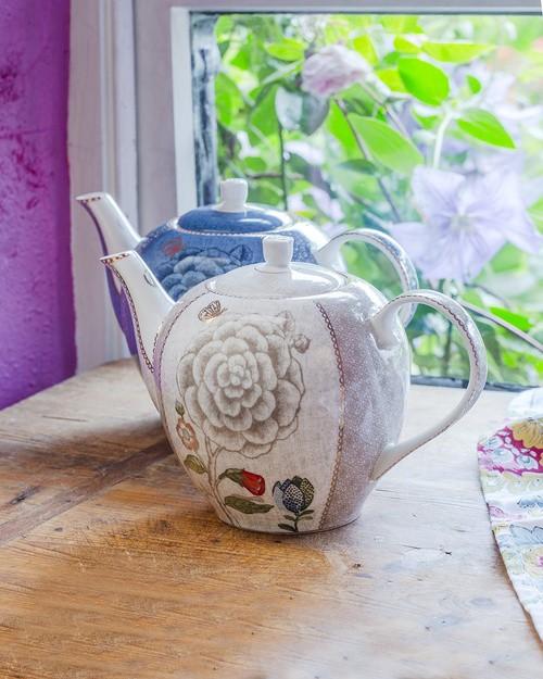 Pip Spring to Life Large Teapot