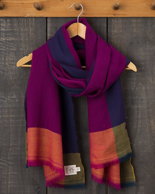Diamond Divide Worsted Wrap in Fuchsia