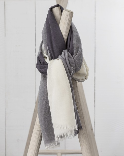 Worsted Wrap in Grey and White