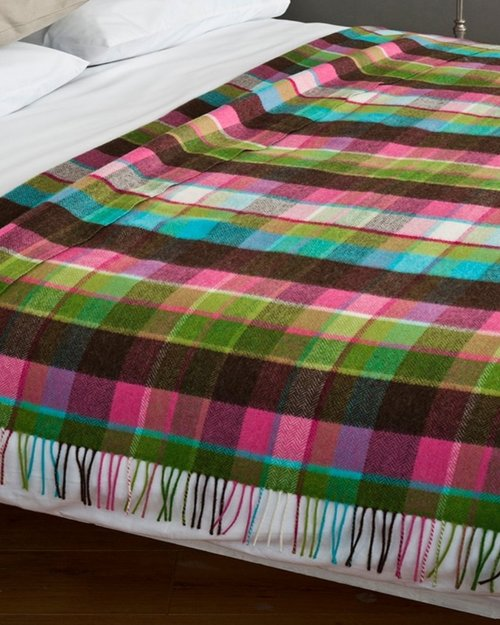 WR121 Lambswool Throw